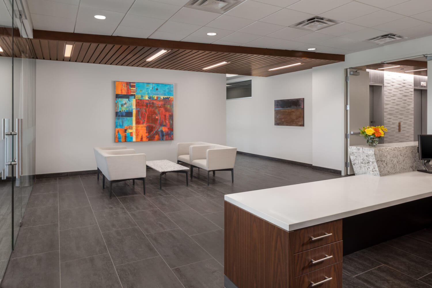 McCarthy Nordburg - Warm Modern Design For Recongized Law Firm